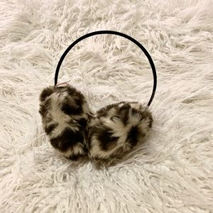 Victoria's Secret PINK Authentic Earmuffs Cheetah